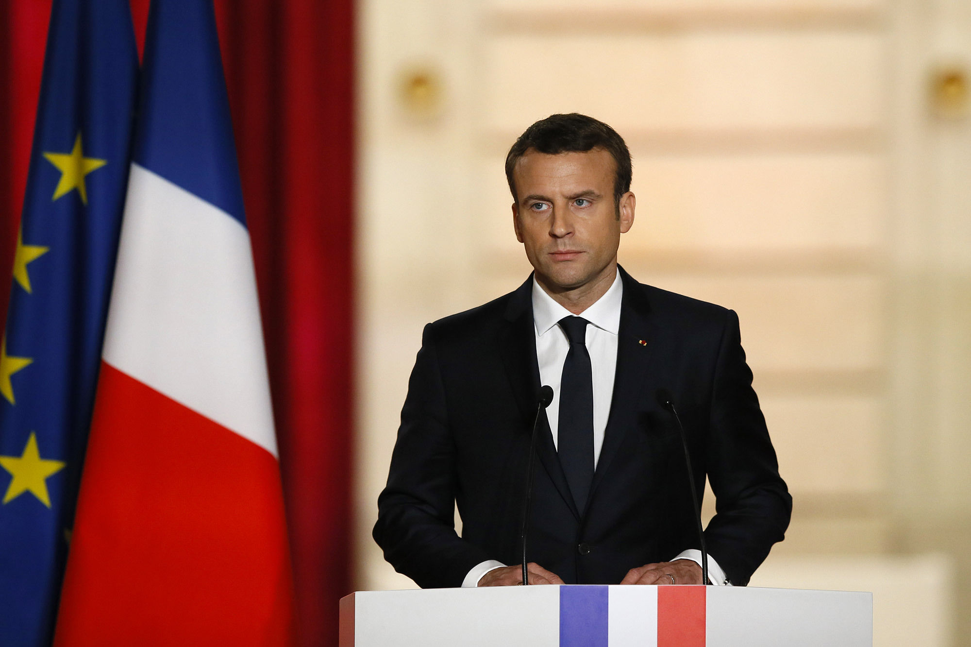 le premier discours du pr sident emmanuel macron paris. Black Bedroom Furniture Sets. Home Design Ideas