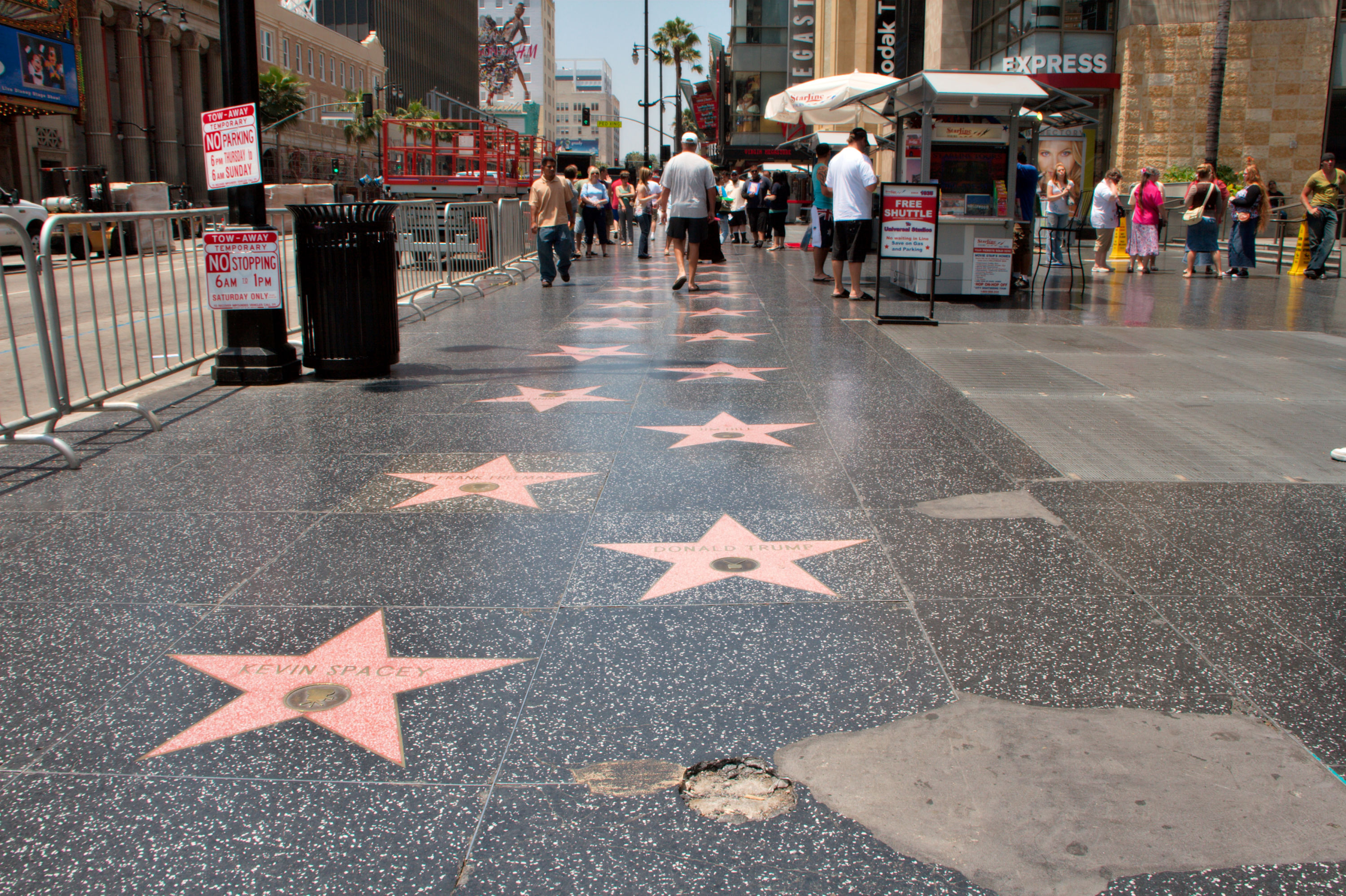 Los Angeles: Charles Aznavour aura son étoile sur Hollywood Boulevard