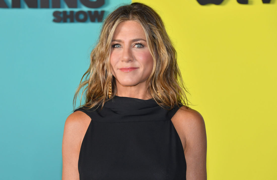 jennifer aniston instagram chien